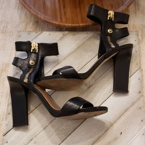 GUESS WIDE ANKLE STRAP SANDAL